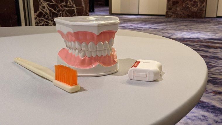 北市牙醫師公會從2004年開始推動「廢牙冠回收再利用計畫」。記者邱宜君/攝影