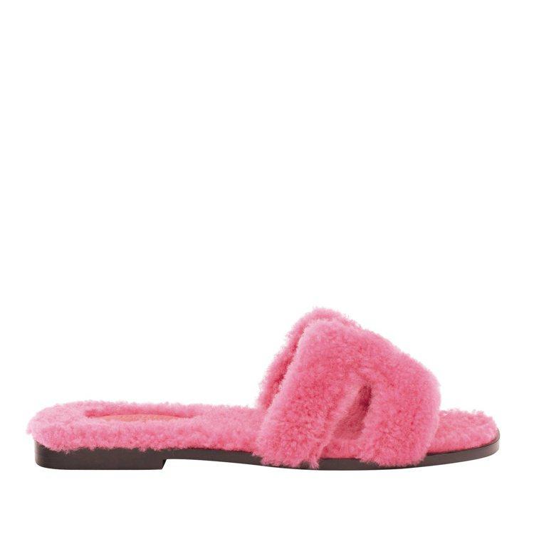ORAN剪羊毛涼鞋,26,300元。圖/愛馬仕提供