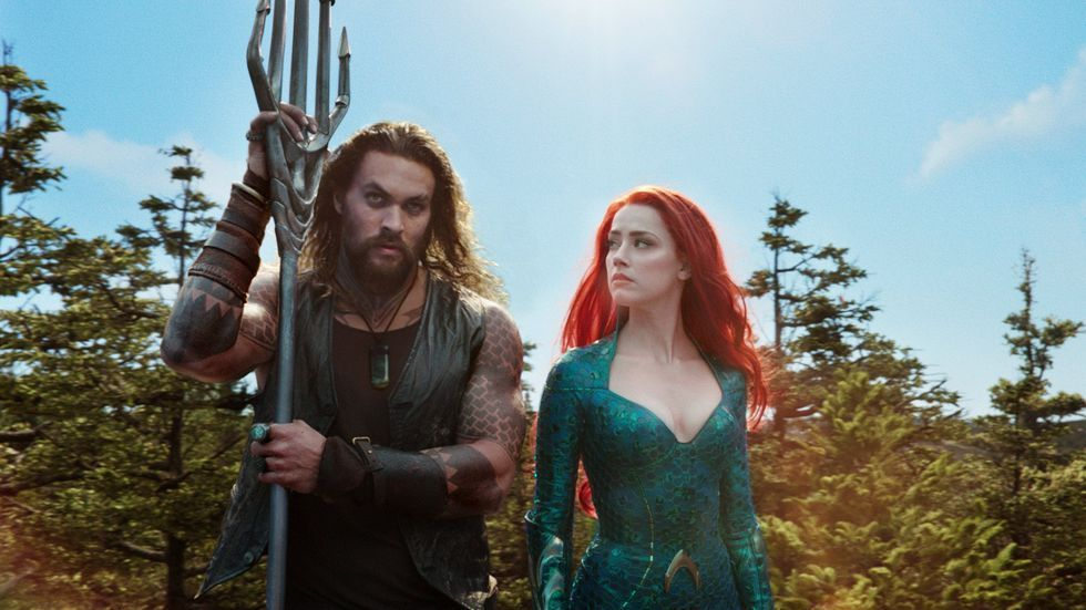 「水行俠」男女主角據傳在續集中的戀情戲會增加,還有可能結婚。圖/摘自imdb