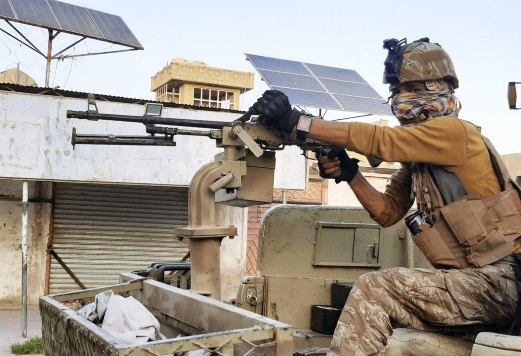 各方政治分析都認為,阿富汗戰爭的最慘預兆,就是美國喀布爾使節團的緊急關閉與全員撤...