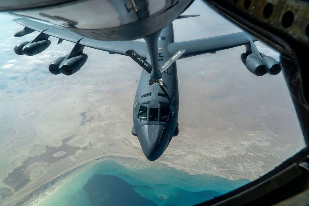 儘管在美國總統拜登的緊急命令下,美軍在中東佈署的B-52戰略轟炸機、AC-130...
