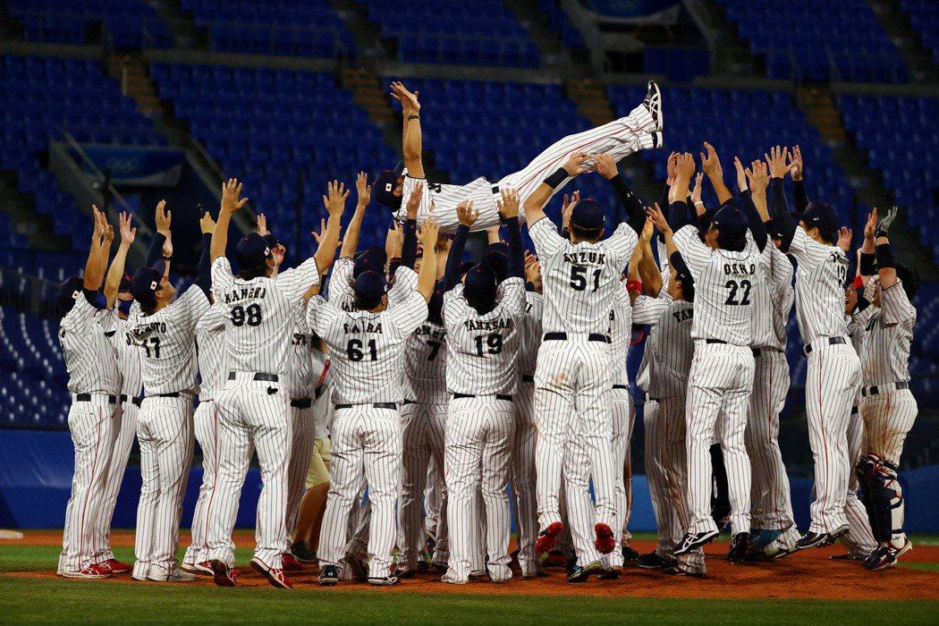 在8月7日東京奧運的棒球項目上,日本代表隊打敗美國奪得金牌。 圖/路透社
