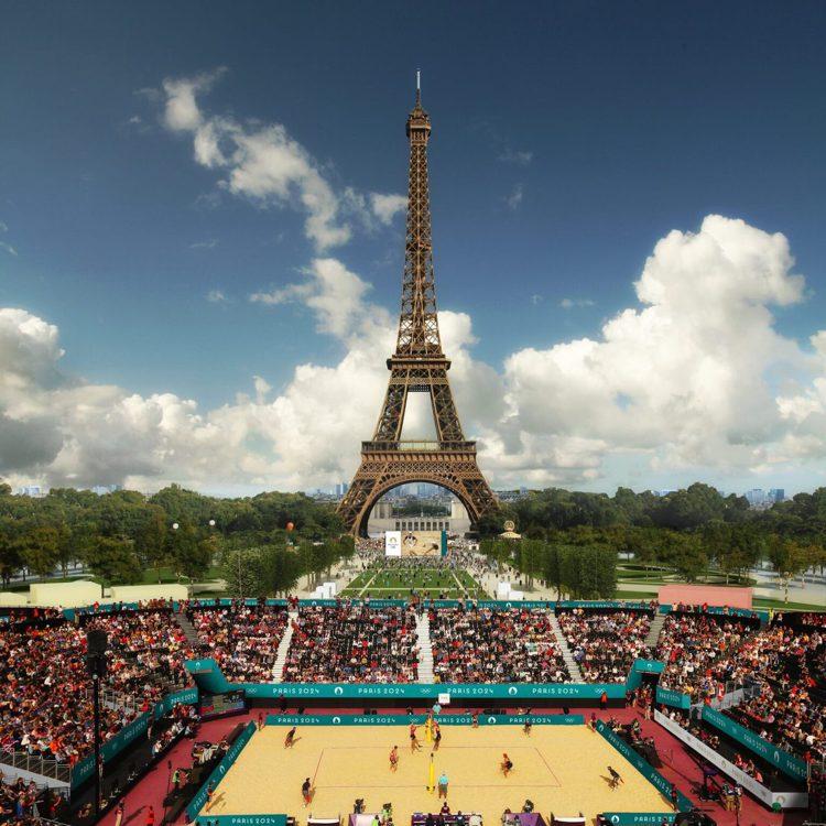 2024巴黎奧運艾菲爾鐵塔前的廣場就是沙灘排球場的所在地。圖/摘自paris20...