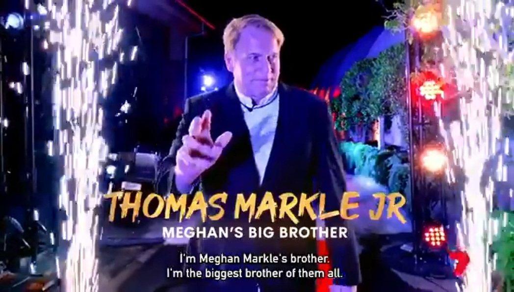 小湯瑪斯馬可靠著消費異母妹妹竟然被澳洲真人秀以「VIP來賓」的等級對待。圖/摘自