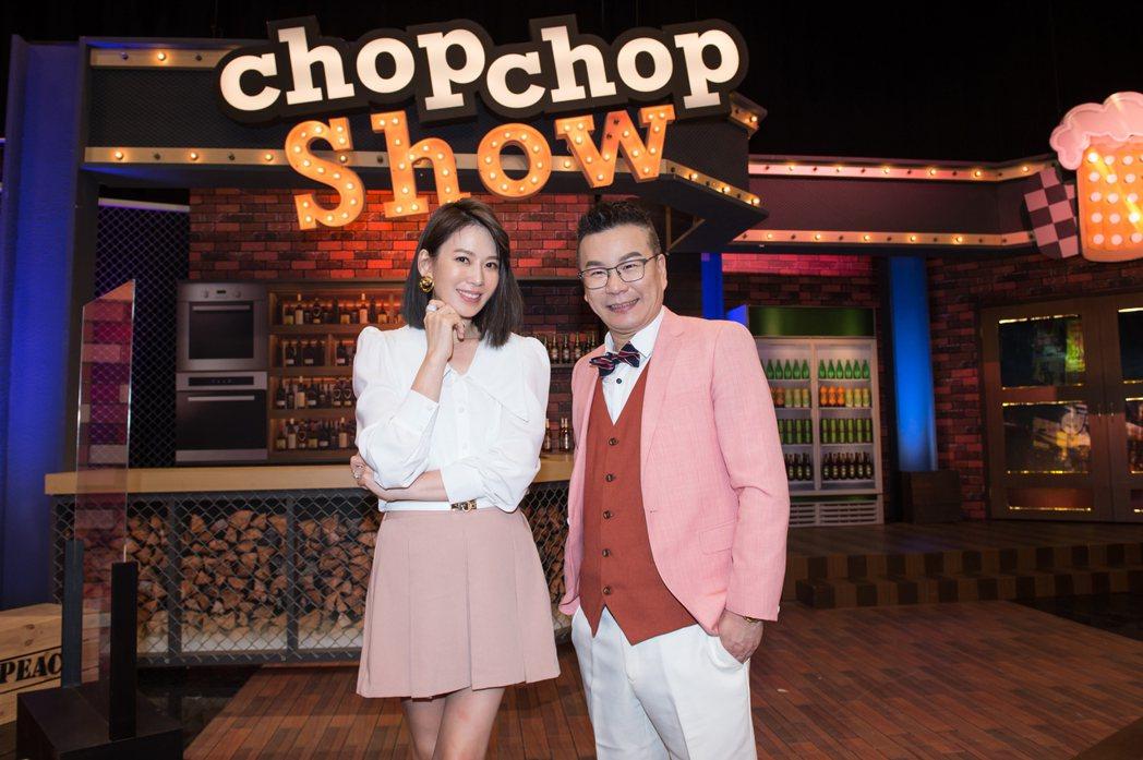 沈玉琳(右)和Melody日前恢復進棚錄影。圖/TVBS提供