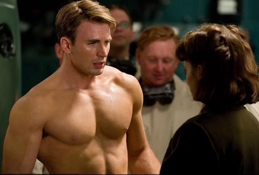 克里斯伊凡扮演的「美國隊長」史蒂夫羅傑斯帥氣健壯,編劇認為要贏得女性春風一度的機