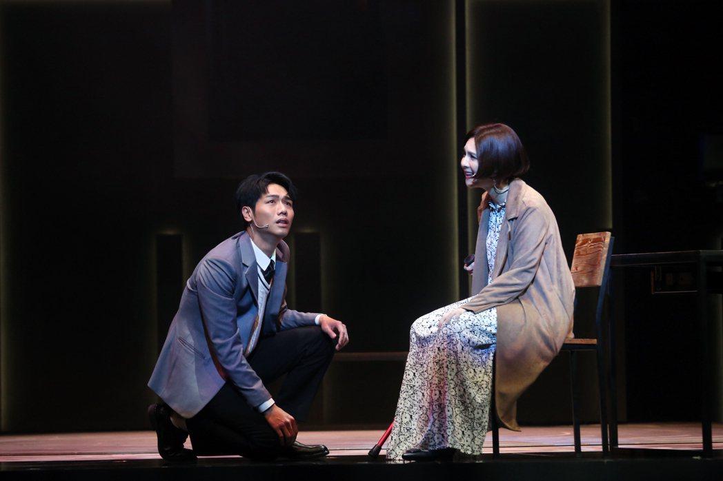 蔡旻佑、郭靜劇中精彩表演感動人心。圖/果陀劇場提供