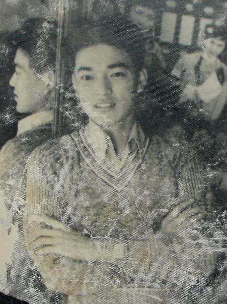 網路上曾流傳著「金城武爸爸舊照」,但事實上該照片是大陸歌手馬海生的爸爸。圖 / ...
