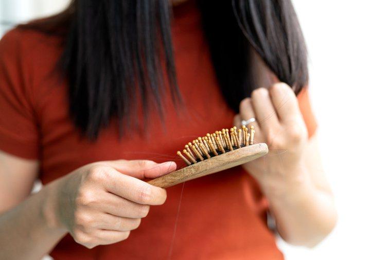 多囊性卵巢:肥胖、掉髮、皮膚變差通通來。圖/ingimage