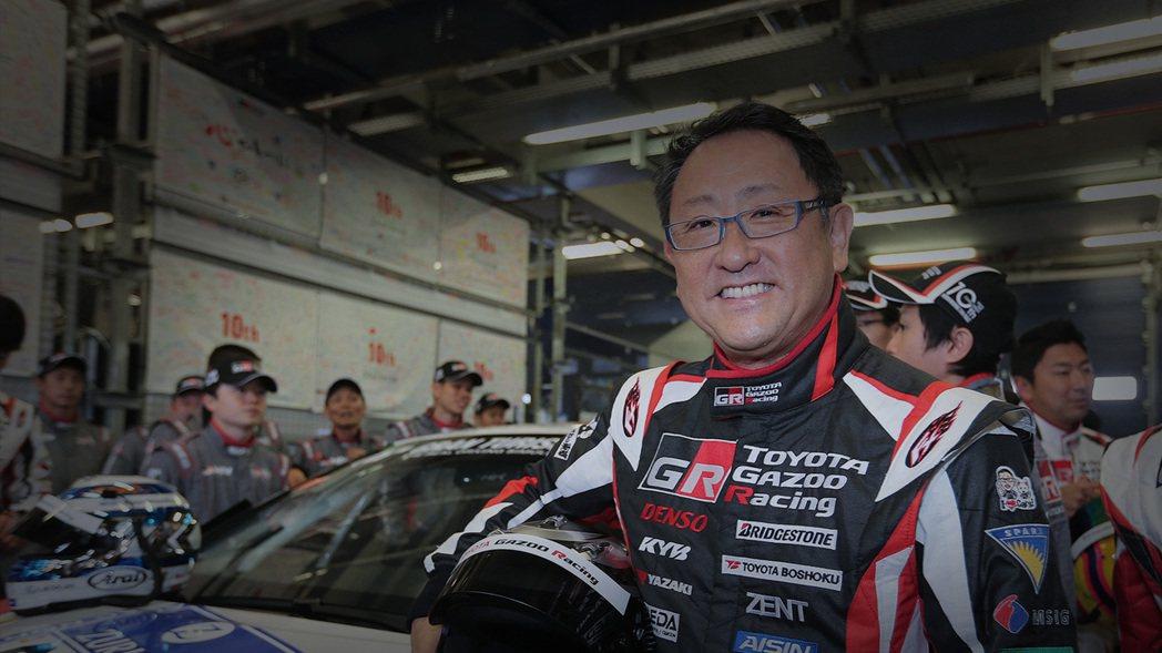 豐田章男是大企業的領導人,他還親自投入開發並自己下場比賽。  摘自Toyo...
