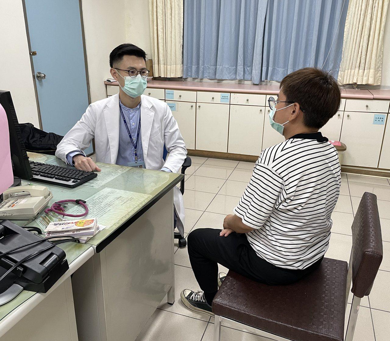 60歲王先生因疫情沒回診、吃藥,導致血糖飆升,突然喪失意識送急診。圖為示意圖,患...