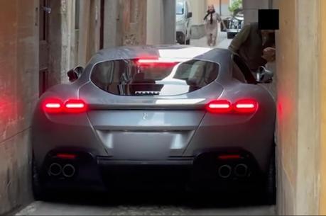 影/Ferrari Roma雖然真的很美 但誤闖這地方下場超悲劇