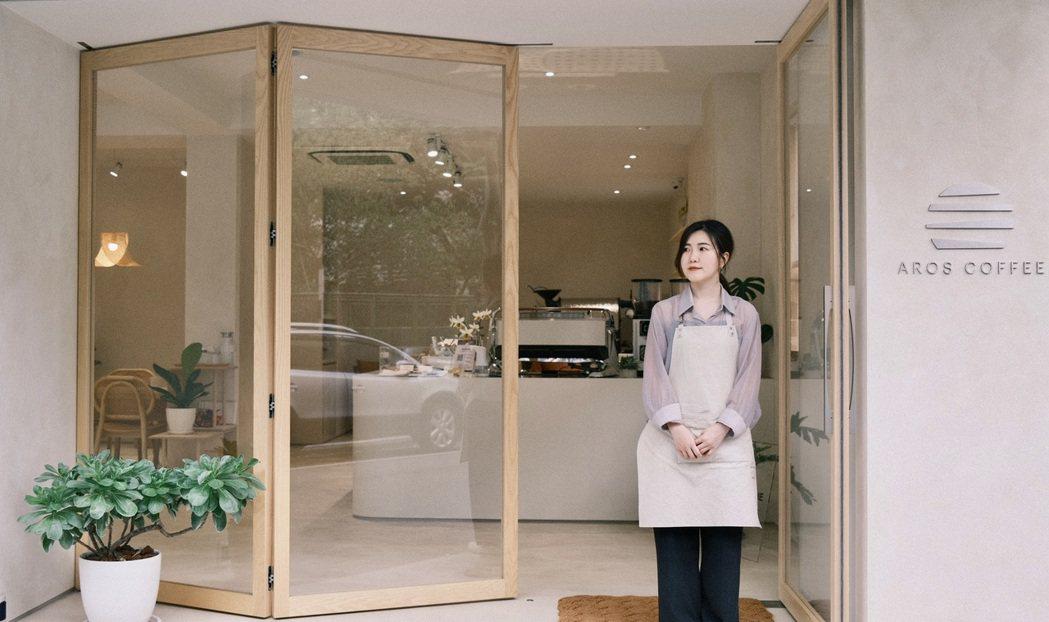 AROS Coffee是一個喜歡做甜點的女生,實現了擁有一間屬於自己咖啡館的夢。...