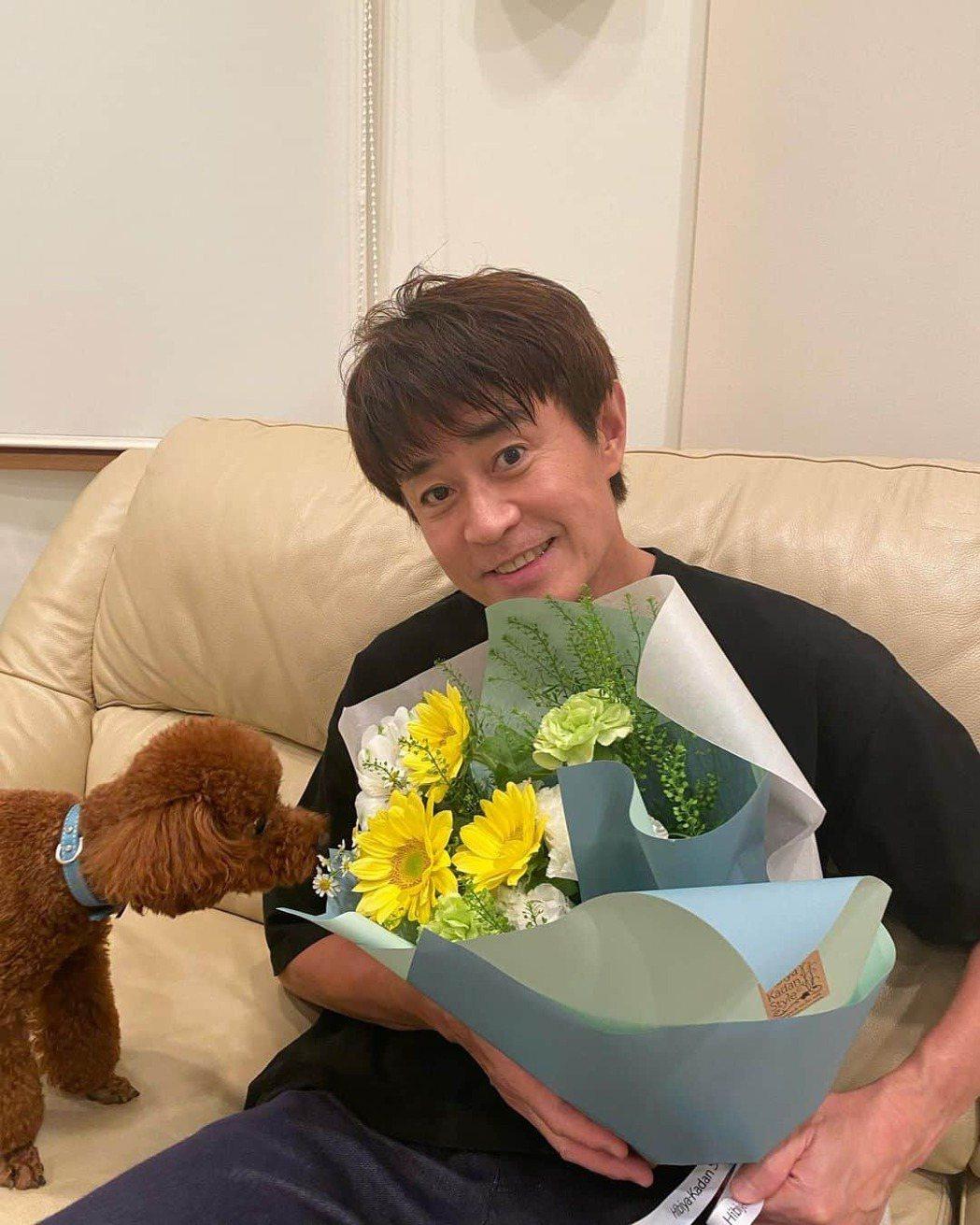 57歲日本男星野野村真(野々村真)7月底傳出確診新冠肺炎。圖/擷自日網