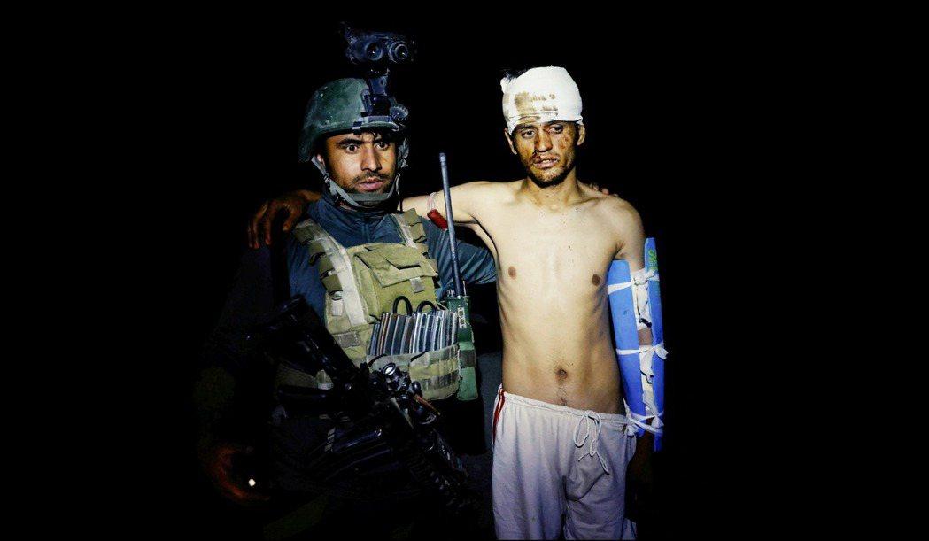 因美軍全員撤退而全速進入倒數激戰的阿富汗戰爭,9日再度傳來中央政府軍的敗北戰報。...