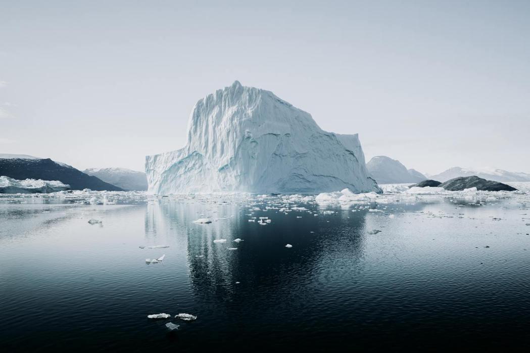 全球暖化正造成北極圈冰層融化速度加快。 圖/unsplash