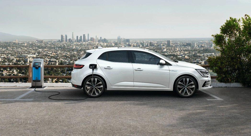 吉利將利用自己的資源和技術,在當地現有的工廠生產Renault的Hybrid車款...