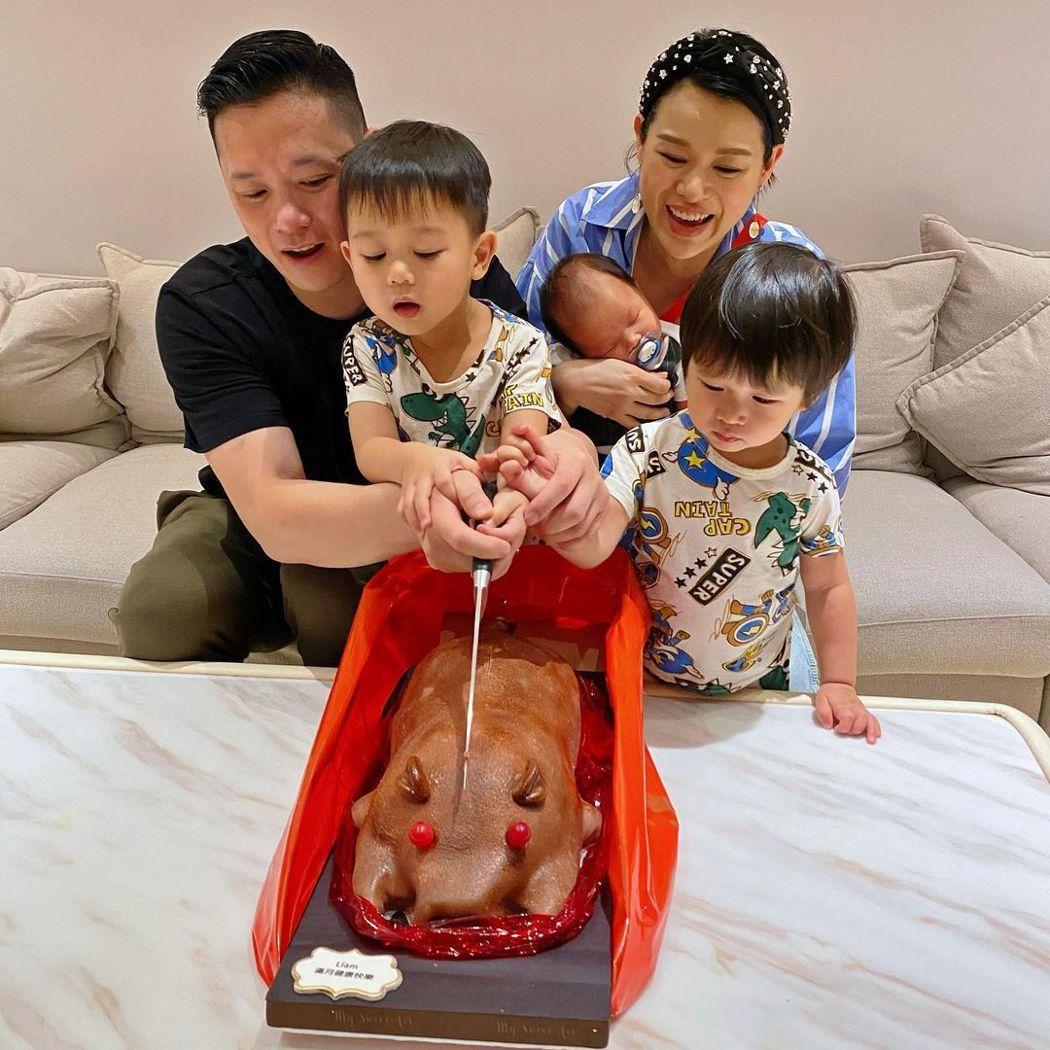 胡杏兒家庭幸福。圖/擷自IG