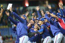 南韓罕見跌倒 中華棒球隊奧運棄賽實在可惜