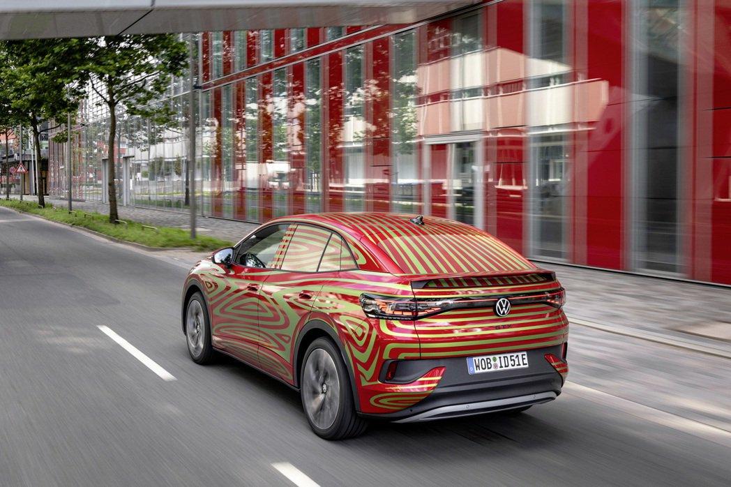全新Volkswagen ID.5 GTX將在2021慕尼黑車展中登場。 摘自V...
