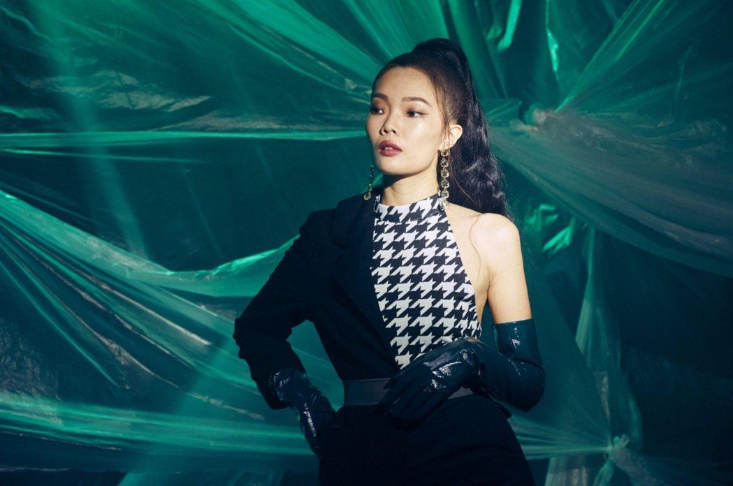施語庭曾在選秀節目贏得林宥嘉、徐佳瑩的盛讚。圖/硬搞娛樂提供