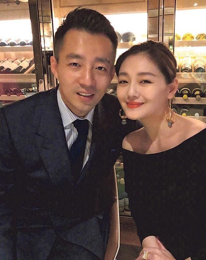 大S(右)和汪小菲順利度過婚姻危機。圖/摘自臉書