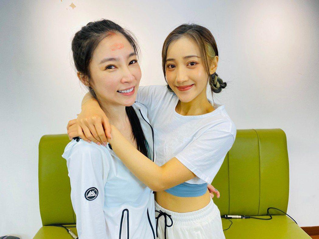 張家瑋(左)、夏宇禾私下會相約一起運動。圖/民視提供