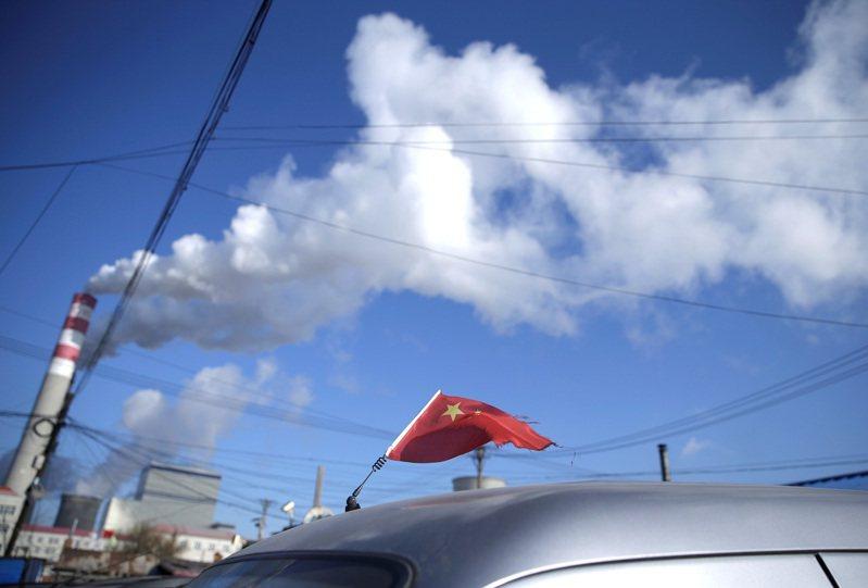 煤炭一直是中國大陸數十年來的主要能源來源,且使用量正在增加。雖然習近平曾重申「十五五」時期(2026至2030年)要「逐步減少」煤炭消費,仍被部分政府與活動人士批評走得不夠遠。路透