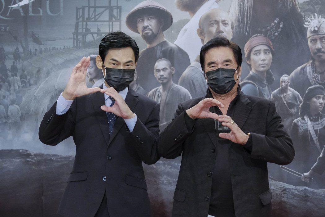 雷洪(右)、夏靖庭出席「斯卡羅」首映會。圖/公視提供