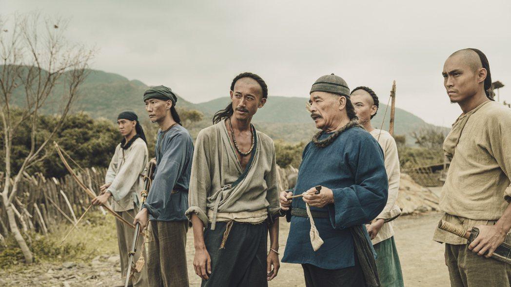 雷洪(右)佩服吳慷仁為戲瘦成皮包骨。圖/公視提供