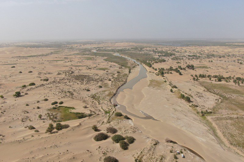 全球最乾旱地區之一的新疆塔克拉瑪干沙漠近年也頻現洪災。新華社