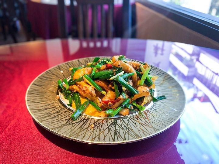 新入選必比登推介的「金賞軒」小而雅致,提供各式台式料理經典。圖/摘自米其林官網。