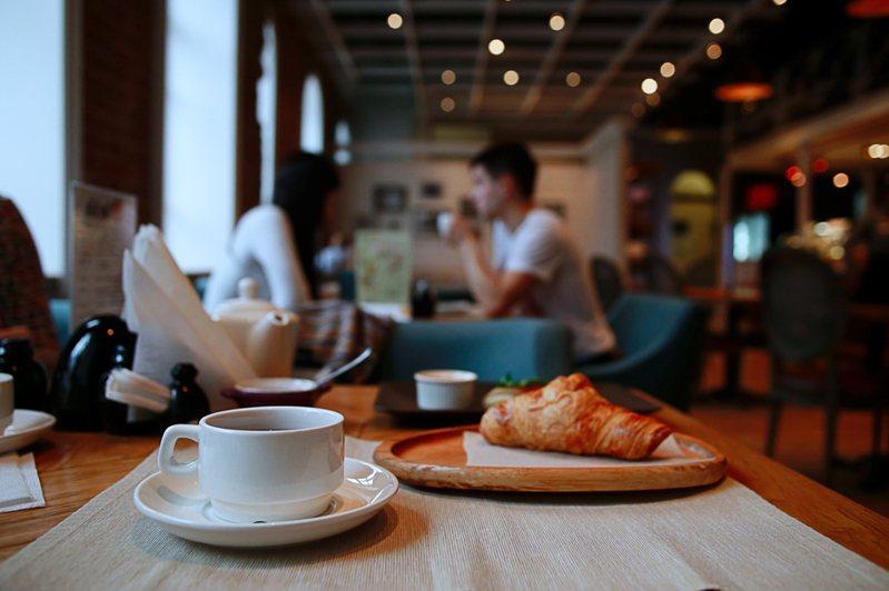咖啡廳情境示意圖。圖/Ingimage