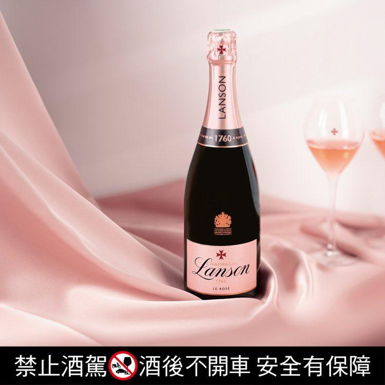 蘭頌粉紅香檳混入25~30%的陳年葡萄酒,增添多層次風味。圖/橡木桶洋酒提供。提...