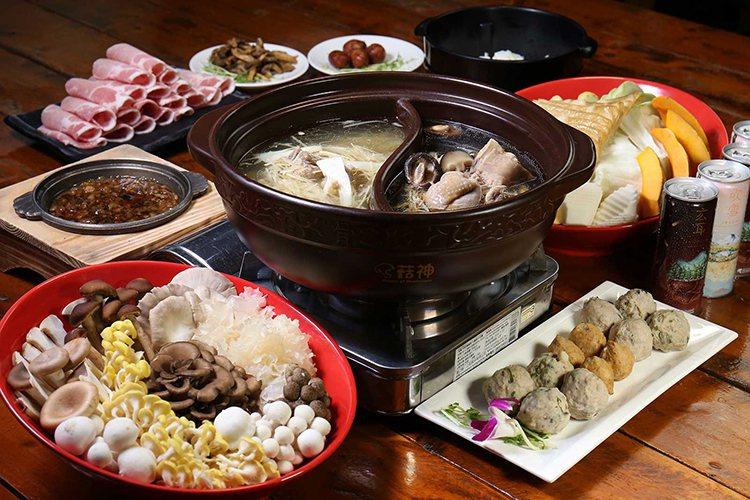 台中「菇神」餐廳標榜以各式菇類入菜,今年進榜米其林指南必比登推薦名單。圖╱翻攝自餐廳網站