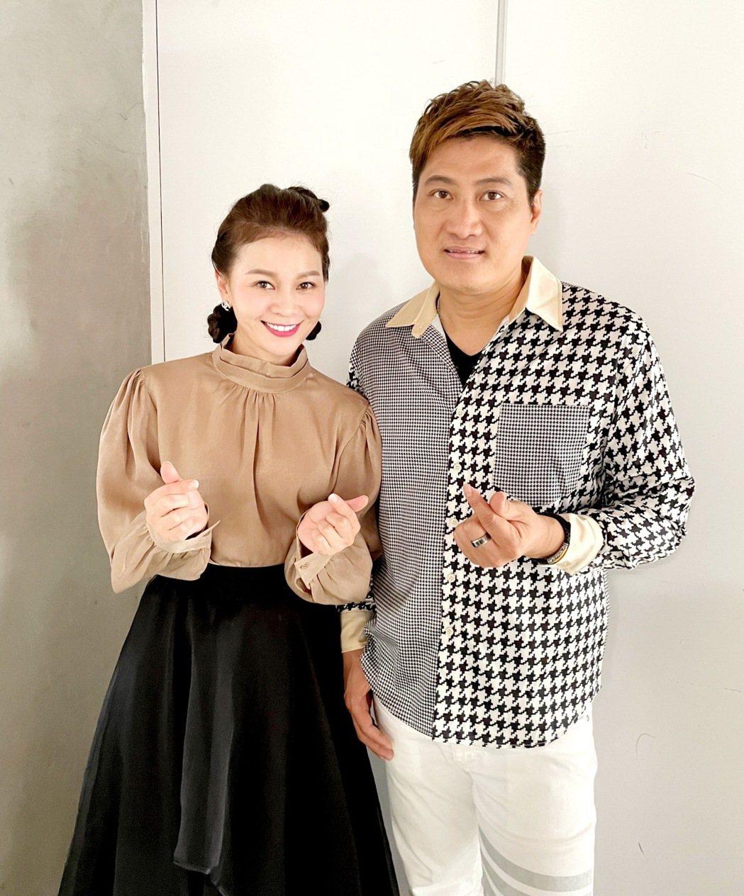 楊哲(右)拍攝MV當天腸胃炎,遭謝宜君猛虧。圖/豪記唱片提供