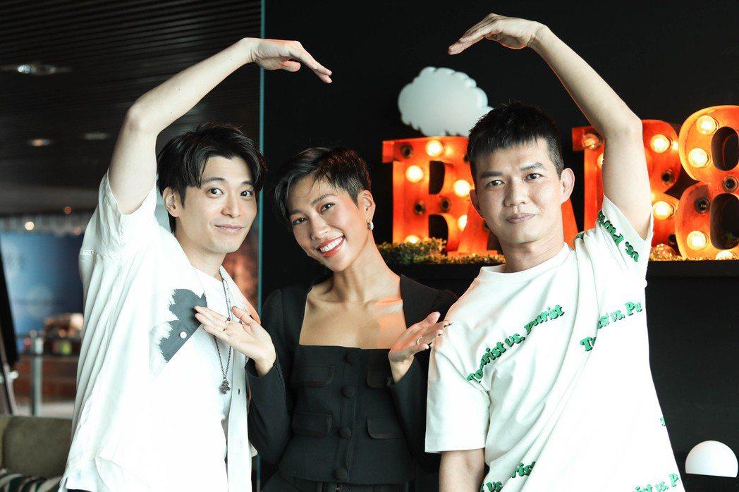 左起侯彥西、莫莉和宥凱演為電影「再說一次我願意」宣傳。圖/皮諾丘電影提供