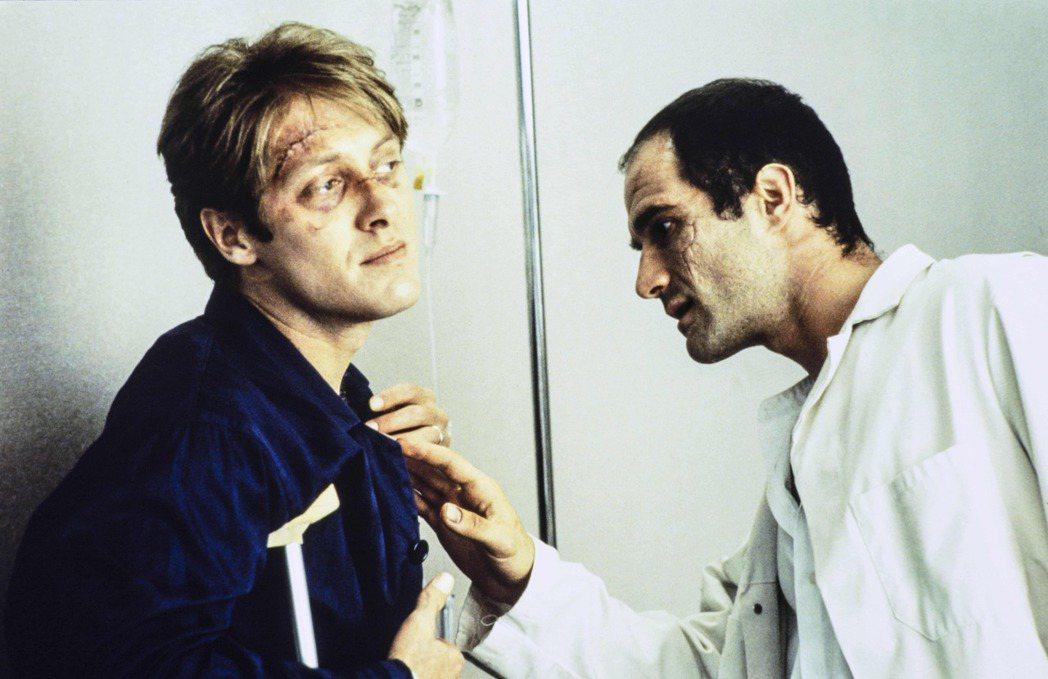 「超速性追緝」是經典異色電影,當年也捧紅詹姆斯史派德(左)。圖/甲上提供