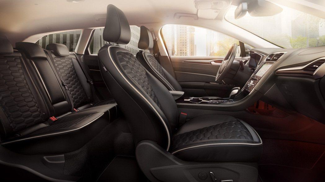 Ford Mondeo Wagon ST-Line將換上全新皮質座椅。 摘自Fo...