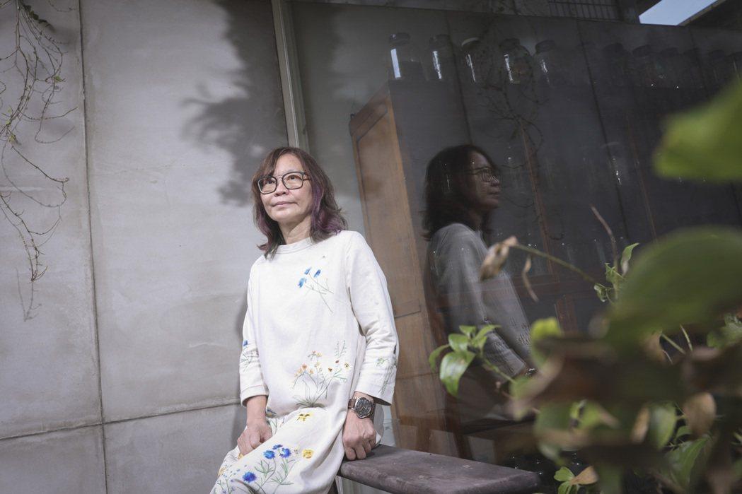 淦克萍相信文字仍有力量,堅持出版工作。記者王聰賢/攝影