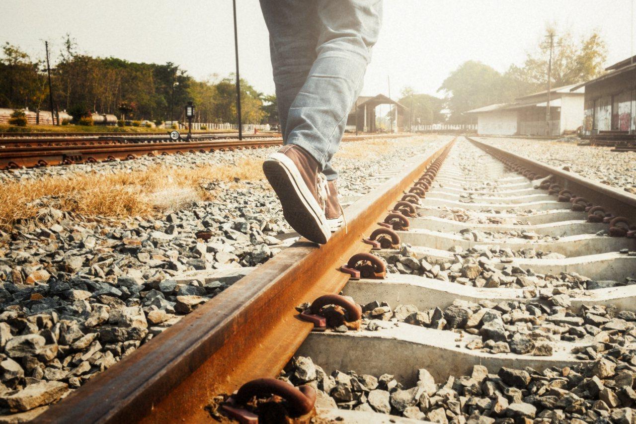 隨著你對生活的要求愈來愈高,你會發現目前的你跟理想中的你之間出現一道鴻溝,而企圖...