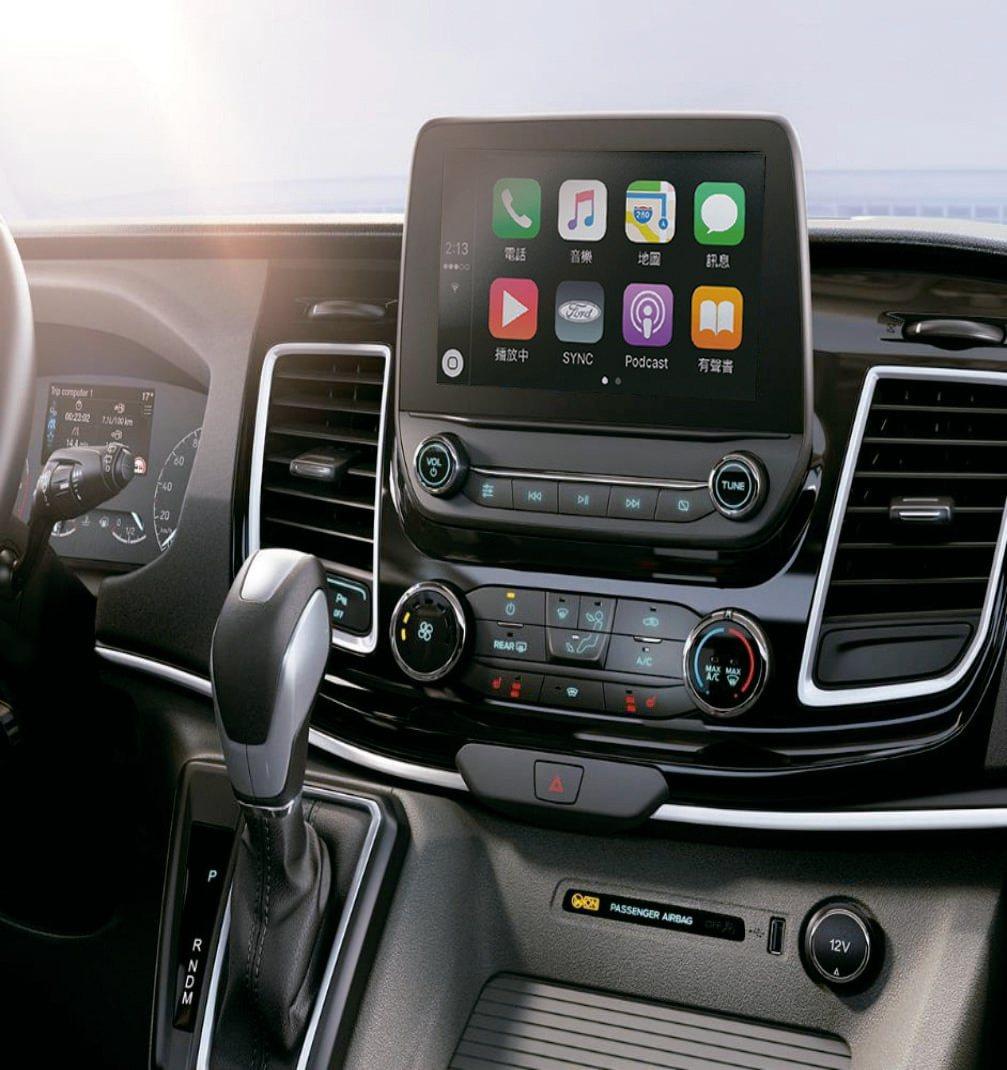 Ford Tourneo Custom福特旅行家配置懸浮式8吋觸控螢幕,搭配SY...