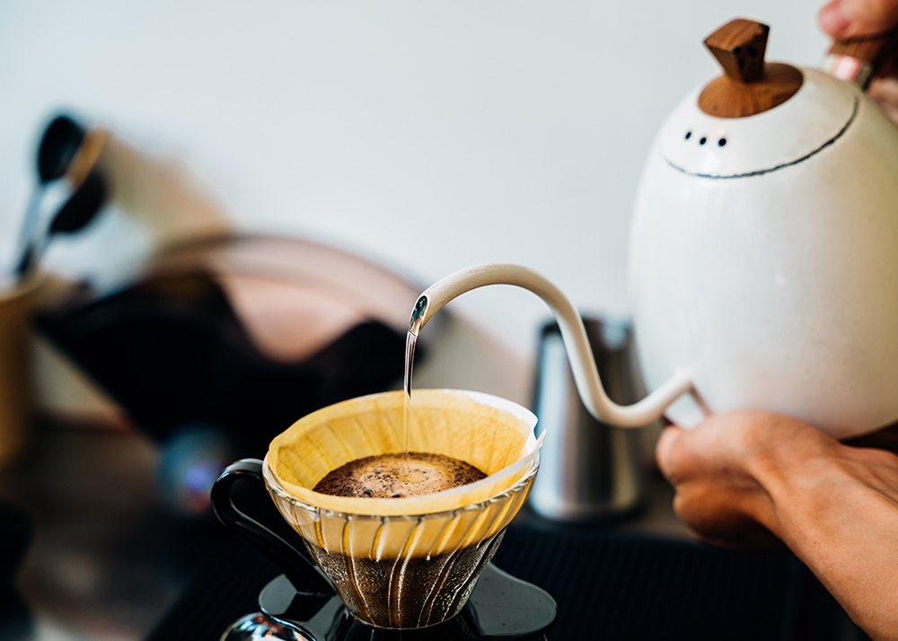 打造專注在咖啡本身的咖啡店,大港店以外帶為主,希望咖啡成為可以隨手帶走的生活飲品...