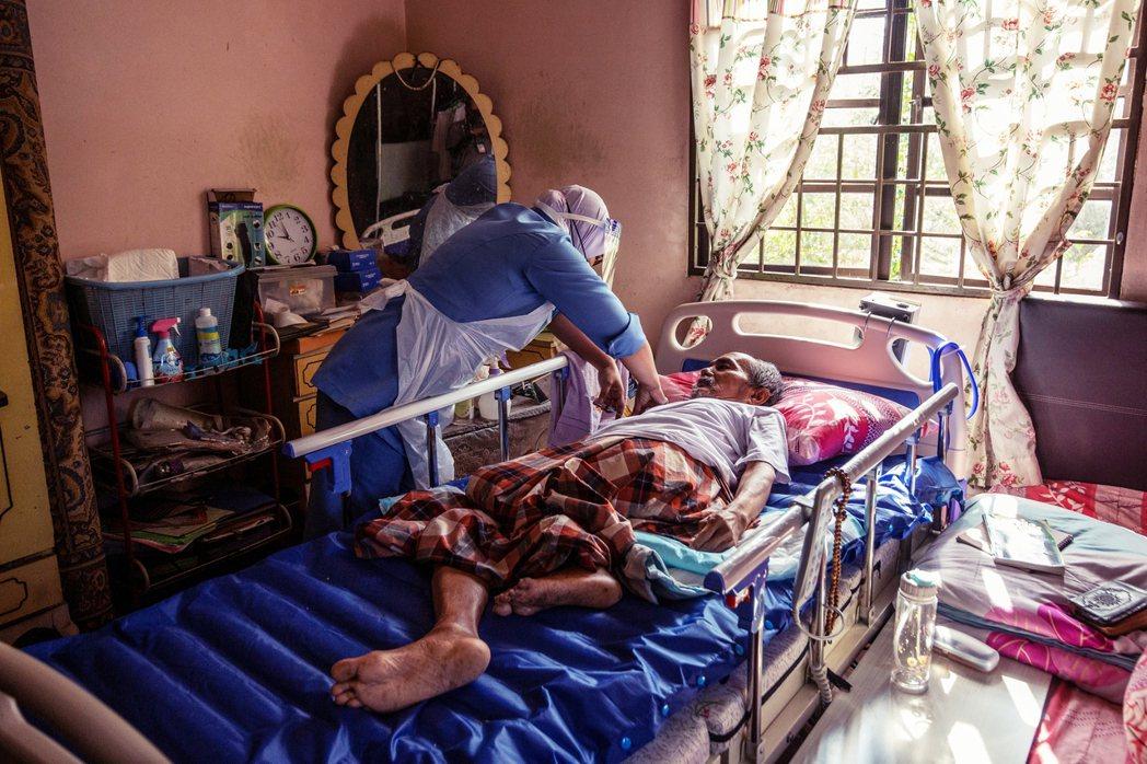 儘管疫情嚴峻,但馬國也加速疫苗接種速度,截至8月第二週,全國約有28.9%的人口...