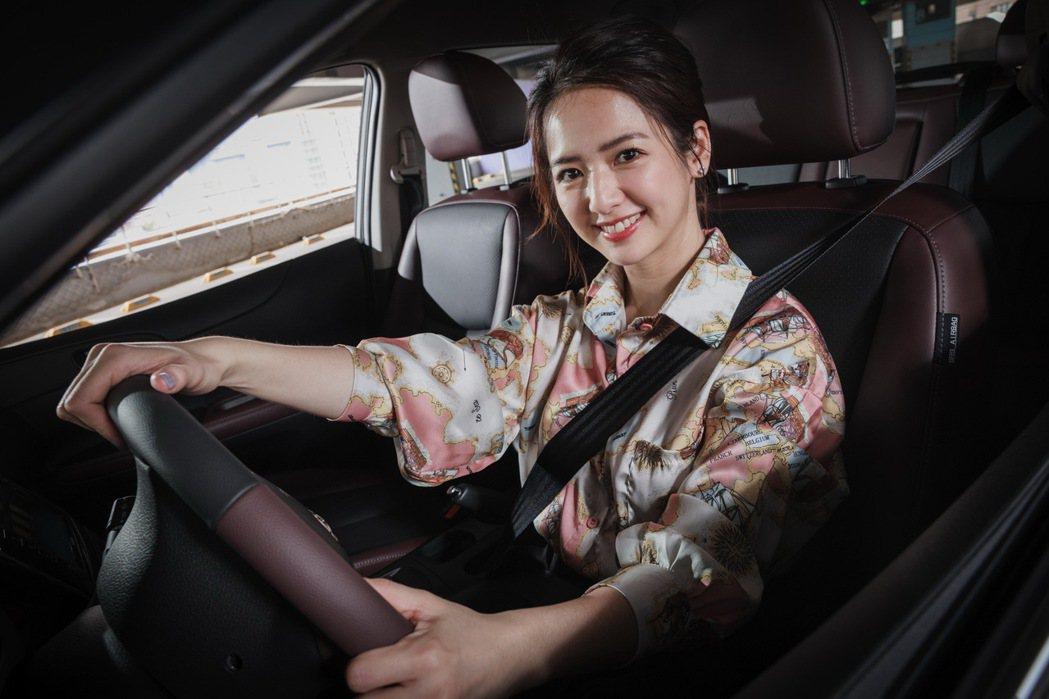 總是自己開車的臧芮軒,相當在乎日常用車的安全性。 記者沈昱嘉/攝影