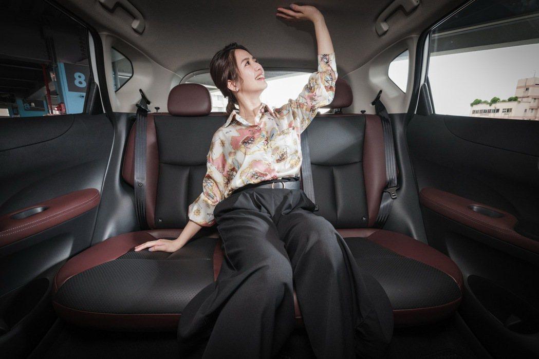 舒適大空間的後座搭配3D超體感紓壓皮質座椅,讓坐車更為享受。 記者沈昱嘉/攝影