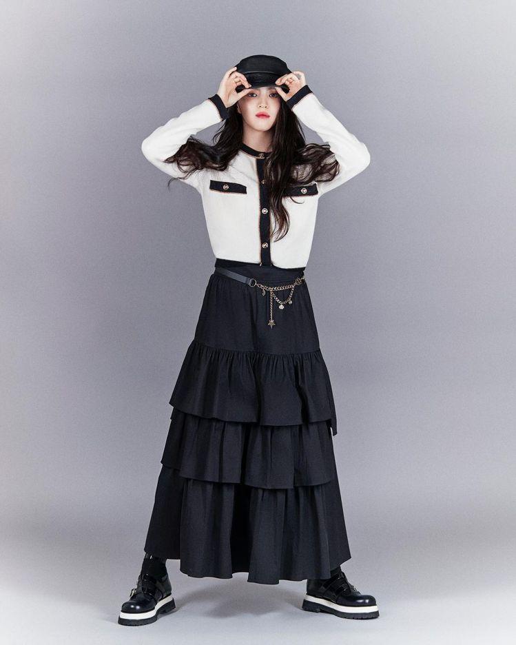 高顏值的韓韶禧詮釋韓國服裝品牌,展現學生俏麗風格。圖/取自IG @luckych...