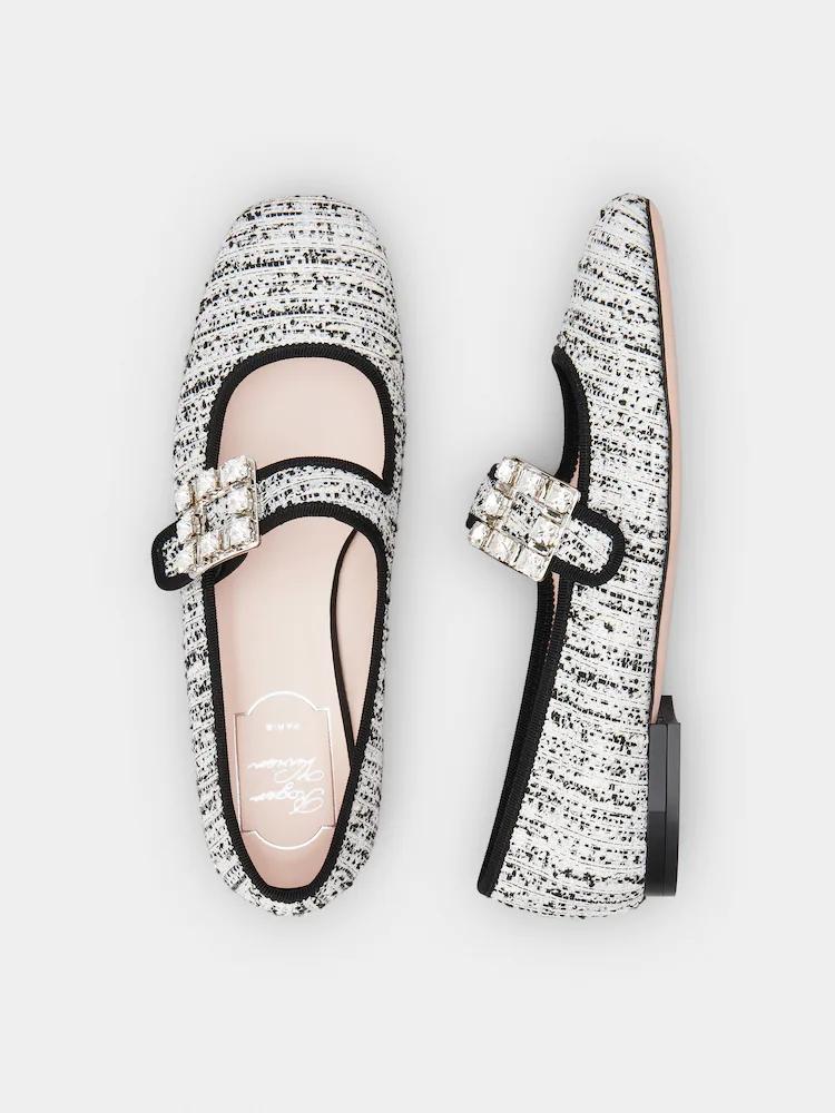 Roger Vivier Tres Vivier毛呢鑽扣瑪莉珍鞋,46,200。...
