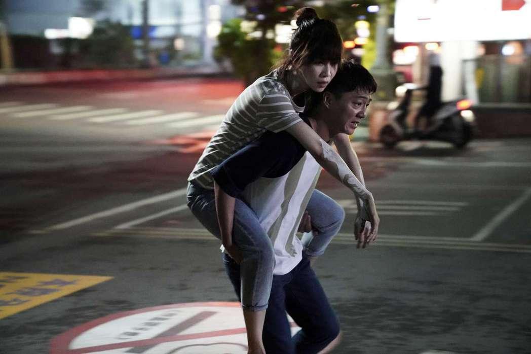 謝盈萱、藍葦華在「俗女2」中面對更多人生關卡。圖/CATCHPLAY+、華視提供