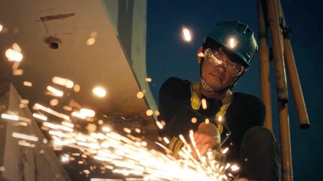 柯叔元在「做工的人」飾演「鐵工」。圖/公視台語台提供